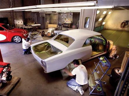Vehicle Body Repairs – Independent Specialist or Dealer?