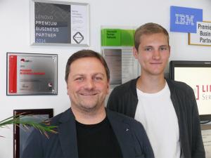 Ulf Klose und Joshua Bark erhalten Systemadministratoren-Zertifikat in Red Hat OpenStack