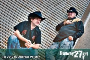 Runway 27, Left gewinnt den Akademia Music Award for Best Blues Song
