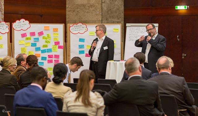 Der moderierte Austausch zwischen Personalverantwortlichen auf dem 1. HR-Summit Logistik & Mobilität hat eindrucksvoll gezeigt, dass sich im Dialog viele Schnittmengen für gute Lösungsansätze finden lassen.