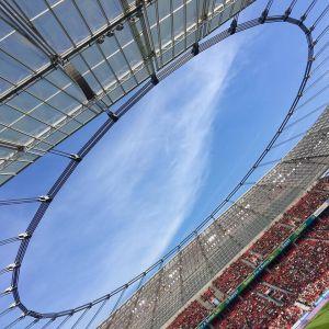IOS-Technik begleitet den Fußballverein Bayer 04 Leverkusen in die nächste Runde