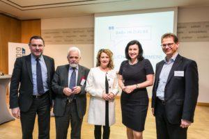 DAB+: Bund und Länder gemeinsam für den Erfolg von Digitalradio / Auswahlentscheidung zum zweiten Bundesmux im Juni / DAB+ Autoradios immer beliebter