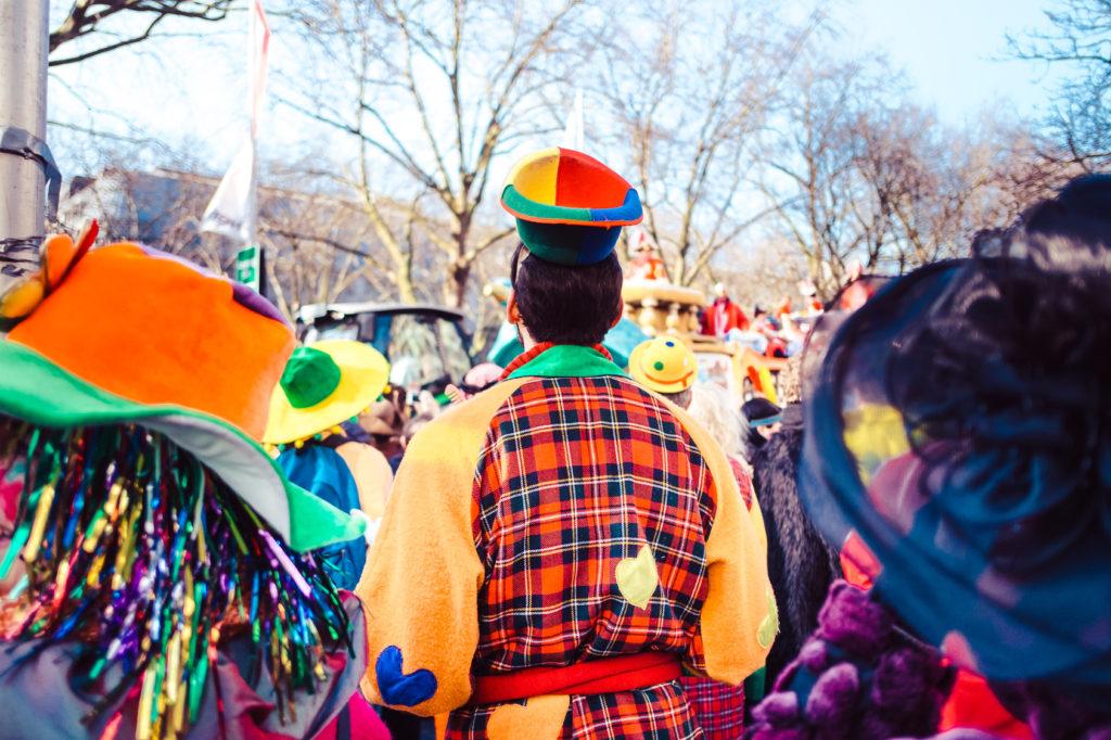 Fremdgehen beim Karneval: Detektiv-Observationen in Neuss