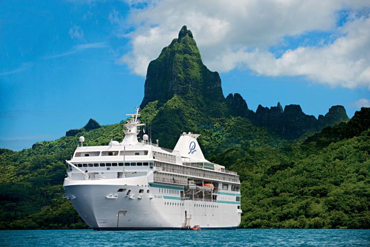"""Paul Gauguin Cruises gewinnt zum zweiten Mal den Travel + Leisure World's Best Award in der Kategorie """"Midsize -Ship Ocean Cruise Line"""""""