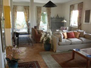 Largo-Argentina-Wohnzimmer-300x225 Rom: Ferienwohnungen für ältere Menschen