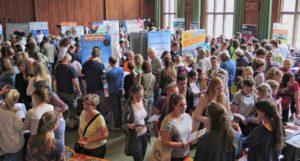 beratung-auf-jugendbildungsmesse-300x161 Wo Träume zu Plänen werden - JugendBildungsmesse zu Gast in Dortmund