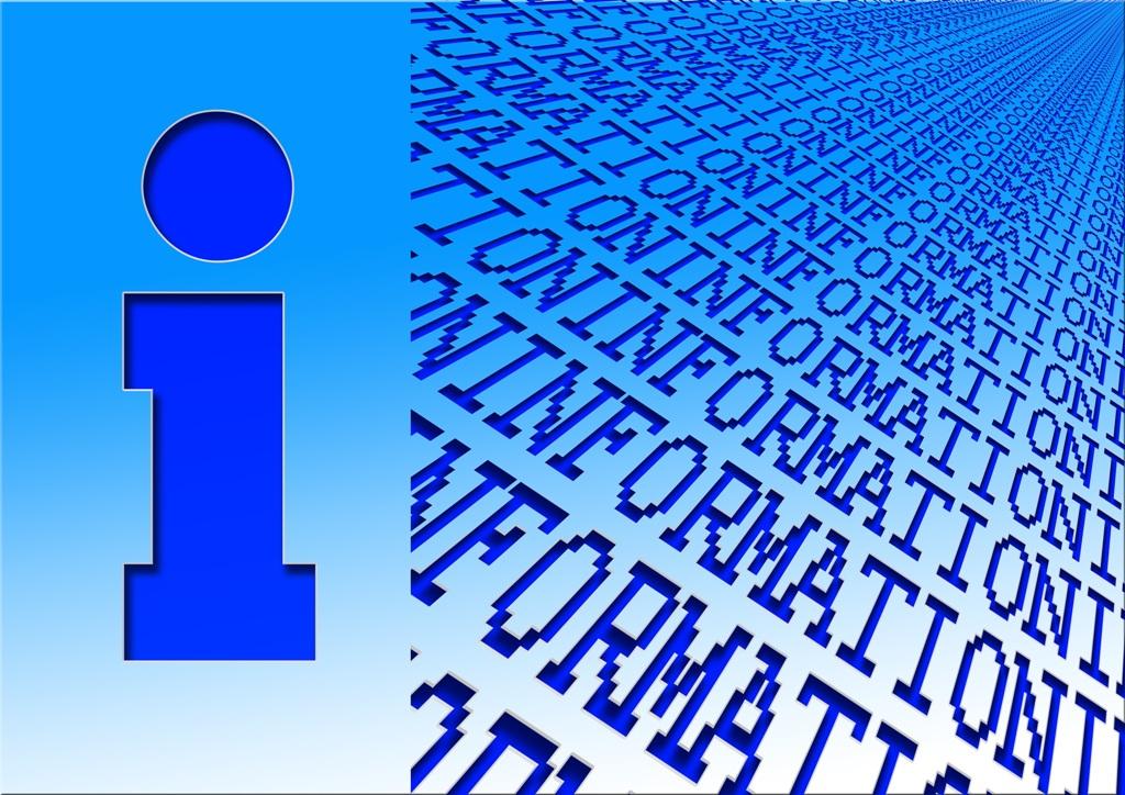 """Dieses Foto zeigt den Buchstaben """"i"""" auf hellblauem Grund und das Wort Information und soll deutlich machen, dass es hier um die Vermittlung von Informationen geht."""