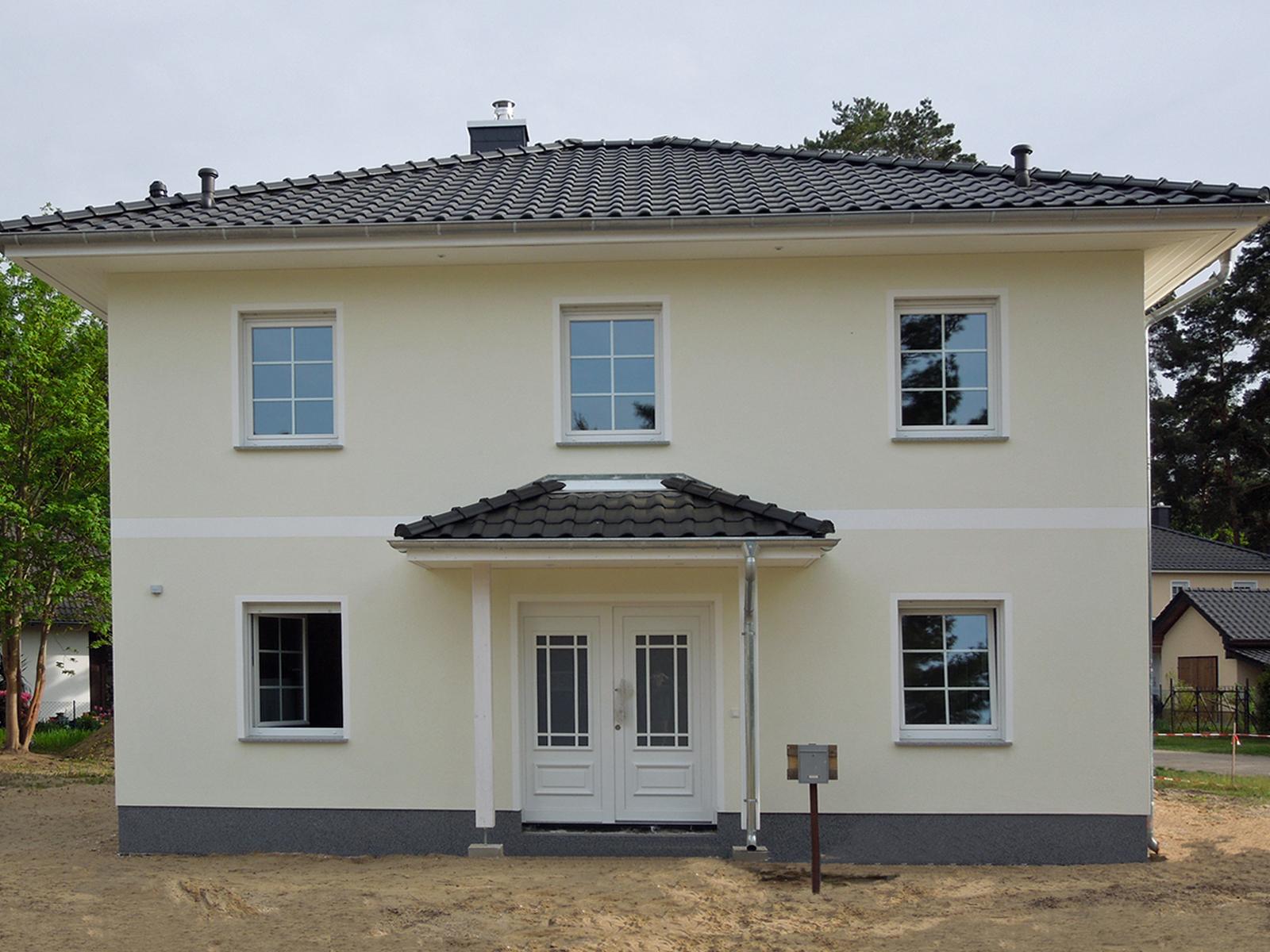 ein doppelhaus f r drei parteien hausbesichtigung am 17 18 m rz in 22117 hamburg billstedt. Black Bedroom Furniture Sets. Home Design Ideas