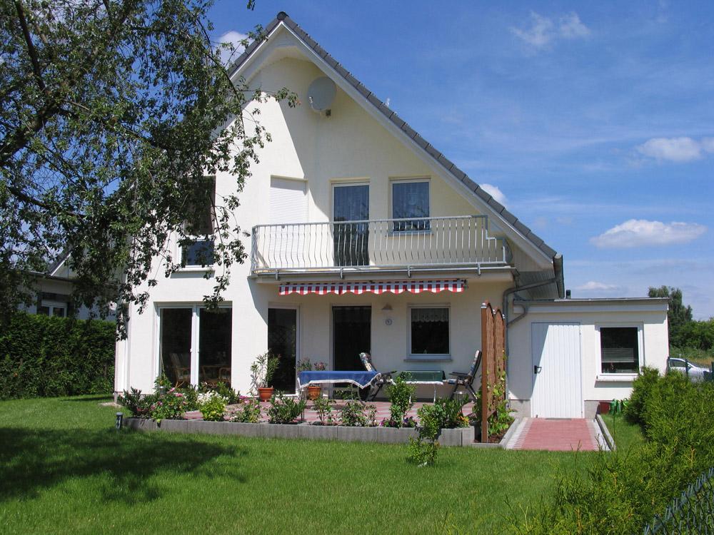 kologisch und gesund wohnen hausbesichtigung am 30 juni und 1 juli in 22525 hamburg lurup. Black Bedroom Furniture Sets. Home Design Ideas