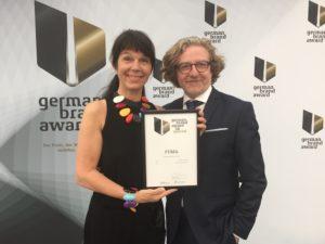 IMG_9962-Kopie-2-300x225 Traditionsunternehmen beweist erneut seine Markenkompetenz: FUMA erhält zum dritten Mal den German Brand Award