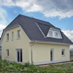 Kompaktes Familiendomizil | Hausbesichtigung am 21. und 22. Juli in 16727 Oberkrämer, OT Marwitz