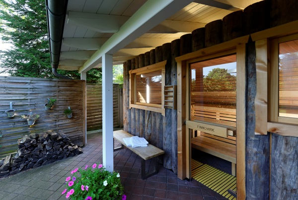 "Sauna-Ringhotel-Sellhorn-Wellness-Holz_k Neu im Ringhotel Sellhorn: ""Heideretreat"" Seminare mit Personal und Business Coach Frank Thöle-Pries"