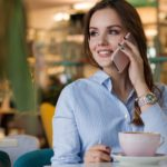 Kaffee und Büro, eine brühwarm erzählte Erfolgsstory über eine erfolgreich geführte langjährige Beziehung.