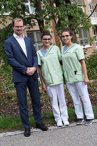 Drei neue Auszubildende an der Asklepios Orthopädischen Klinik Lindenlohe