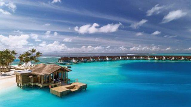 Weihnachten unterm Palmenbaum – Weißer Sandstrand statt weißer Schnee mit den Atmosphere Hotels & Resorts auf den Malediven