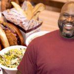 """""""Shaq Attack"""" macht in """"Big Chicken"""" – Basketball-Legende eröffnet Restaurant auf der Carnival Radiance"""