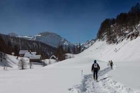 Schneeschuhrennen im Hinterland des Lago Maggiore