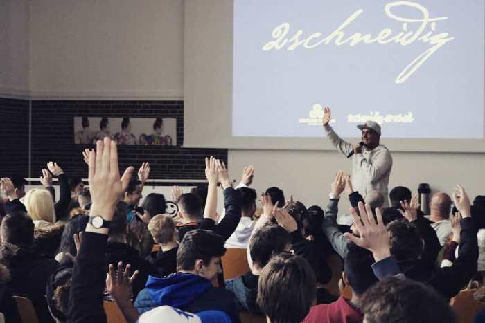 Auftakt für 2schneidig@school 2019 mit Projektwoche in Neumünster