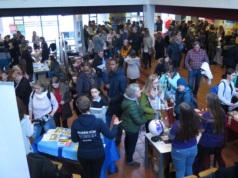 JugendBildungsmesse Stuttgart macht Lust auf Ausland