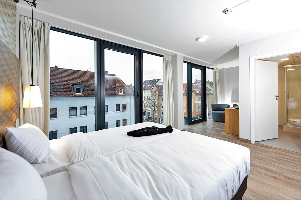 Eines von 19 neuen Zimmer im ibis Fulda City Hotel (Foto c/o Orange Hotels und Resort)