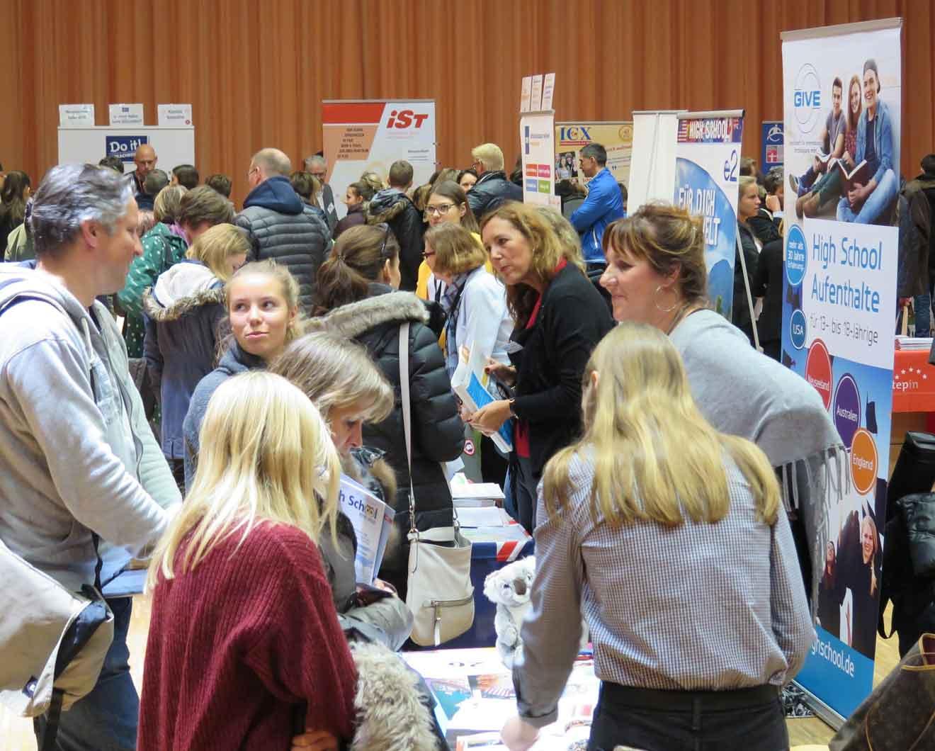 Beratung auf der JugendBildungsmesse Duesseldorf