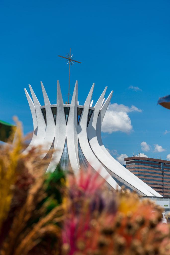 Cathedral_Brasiia_cEMBRATUR-683x1024 In Rio de Janeiro: Die ganze Vielfalt brasilianischer Architektur erleben