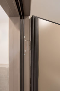 Neue Funktion: Fingerschutztüren mit Schallschutz. Bewährte Sicherheitstür von Küffner weiterentwickelt