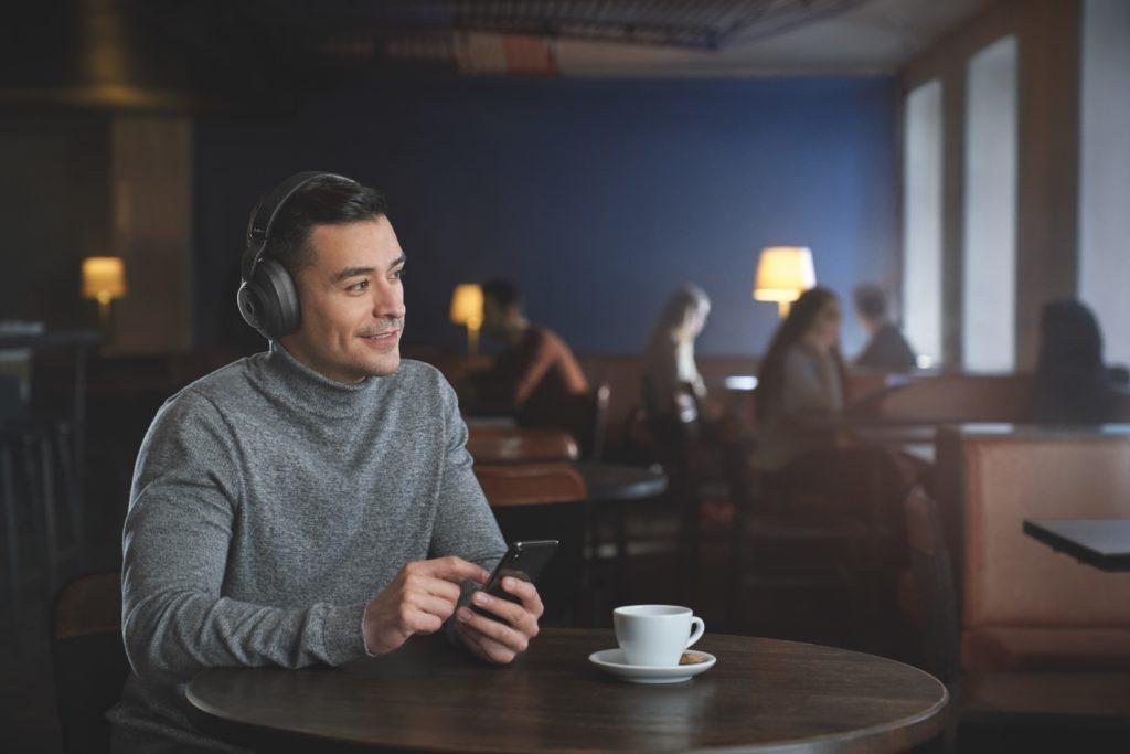 KI-Integration im Audio-Bereich: Smarte Technologien von Jabra entscheiden zielsicher, was den Nutzern moderner Kopfhörer zu Ohren kommt