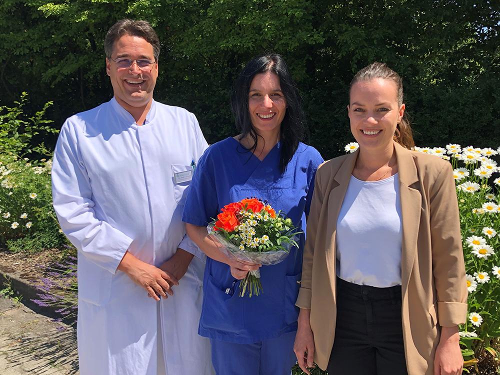 Jahrgangsbeste_Schmidt_1000x1000 Asklepios Klinik Oberviechtach: Stephanie Schmidt schließt MFA-Ausbildung als Jahrgangsbeste ab