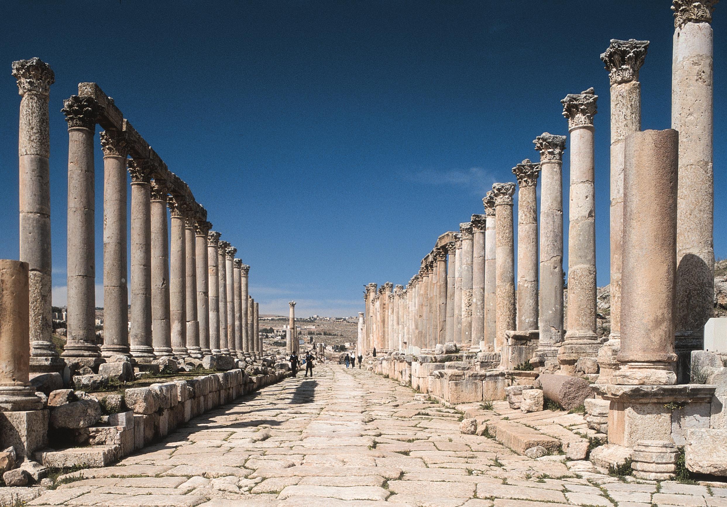 Mit Gebeco entdecken Gäste das schöne Jordanien