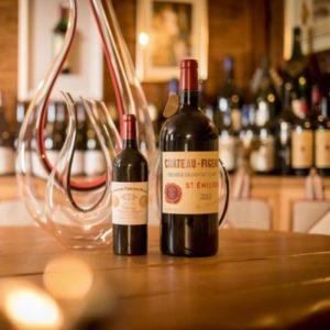 """Wein-Tasting-5-Sterne-Hotel-Jagdhof-Neustift-im-Stubaital-Tirol-Château-Figeac-Château-Cheval-Blanc-1-400x400-300x300 Wein """"Tasting"""" der Superlative im 5-Sterne SPA-HOTEL Jagdhof mit weltberühmten Weinen vom 19. – 22. September 2019"""