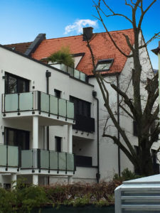 Wohnanlage-Augsburg-5-225x300 Bauprojekt in Augsburg: 27 Wohneinheiten in nicht mal einem Monat gebaut