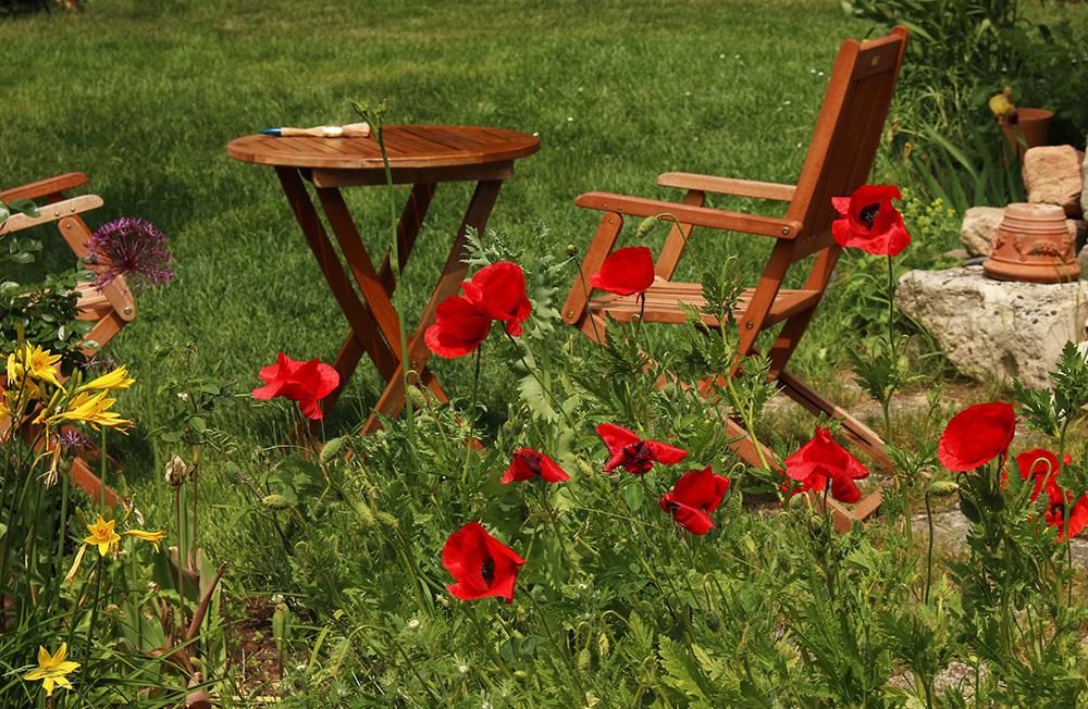 Holzlasur-aussen-5_kleiner Neuer Glanz für Gartenmöbel, Zaun & Co. - Holzlasuren auf Wasserbasis von Natural-Farben