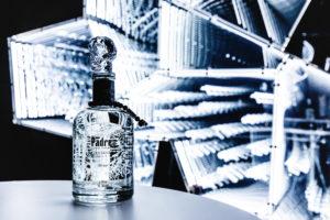 """Limitiert & Abgefahren: Cristalino Añejo Tequila Der Limited-Edition-Tequila von PADRE AZUL in Kooperation mit Swarovski & """"Prison Art"""""""