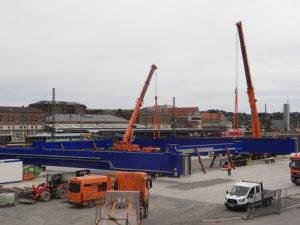 Zwei Containerkräne für Terminal in Hof
