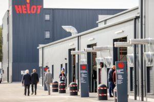 Helot0216besucher-außen-300x200 170 Gäste aus Politik und Wirtschaft am Tag der offenen Tür bei Helot in Dormagen