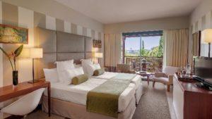 Zimmer-300x169 Das 5 Sterne Precise Resort El Rompido mit 36-Loch Golfplatz  lockt an der andalusischen Küste mit Golfarrangements vom Feinsten!