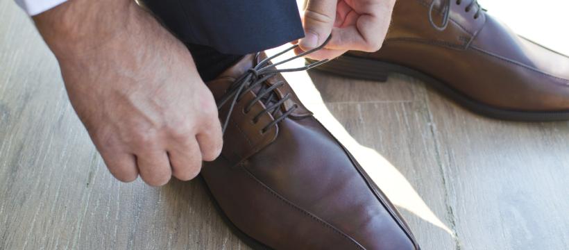 Hochwertige und modische grosse Schuhe für Herren bei schuhplus
