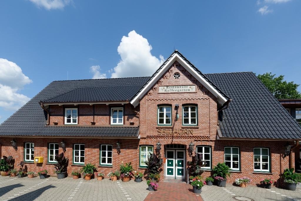 Ringhotel-Sellhorn-Aussenansicht-Urhaus_k Es ist soweit/Wiedereröffnung: Das Ringhotel Sellhorn empfängt seit dem 25. Mai 2020 wieder Gäste