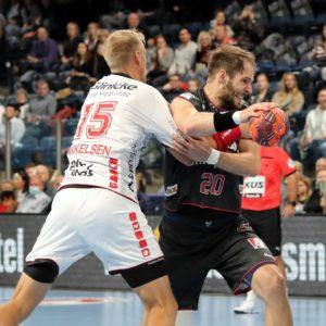 201011_HCE_besiegt_MT_Melsungen_HJKrieg_400_5783-300x300 Handball: Favorit MT Melsungen verliert gegen HC Erlangen deutlich