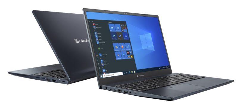 zwei geöffnete Notebooks, eins mit offenem Display zu sehen, eins von hinten zu sehen und vom vorderen Notebook leicht verdeckt